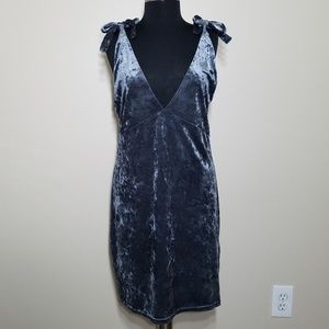 Plunging V-neck Crushed Velour Sleeveless Dress 10
